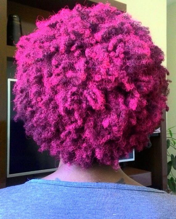 cabelo-crespo-rosa-beleza-black-power